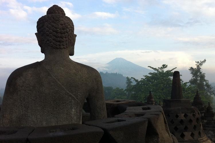 Comment j'ai dormi (illégalement) au temple de Borobudur, île de Java