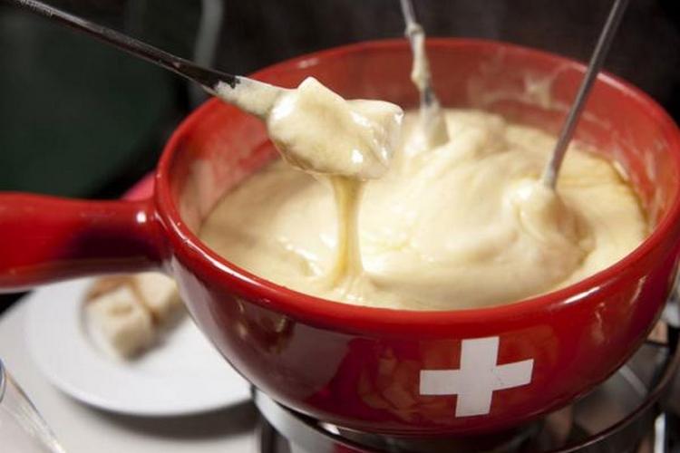 La meilleure fondue fromage? Celle au vacherin suisse!