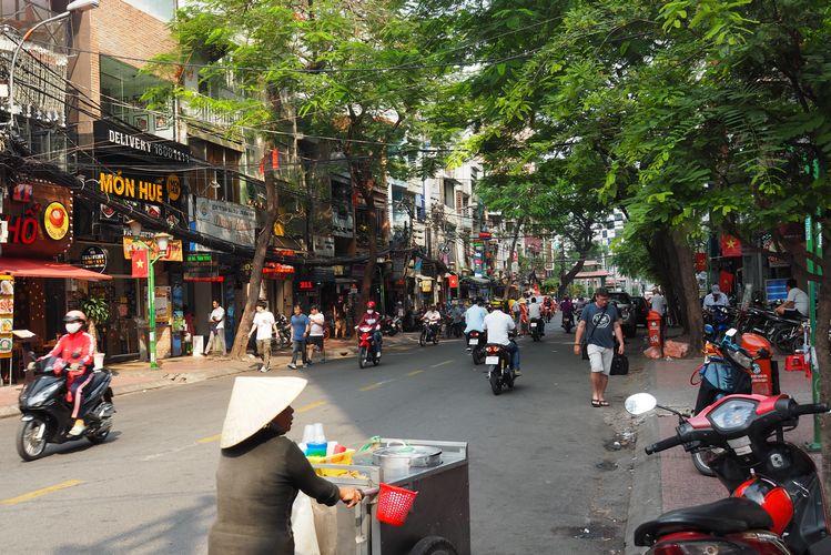 Vivre au Vietnam à Saigon dans la torpeur des cafés… et le tumulte des scooters !